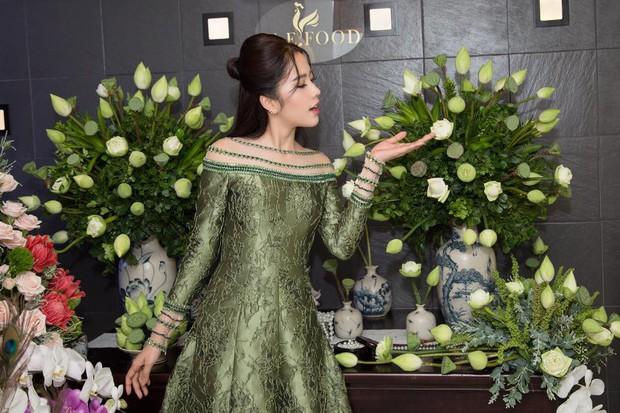 Như một thói quen, 90% những lần lọt top thảm họa, Nam Em đều mặc váy xanh lá - Ảnh 5.