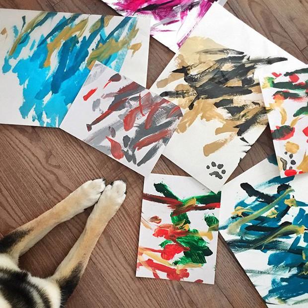 Chú chó shiba giúp chủ kiếm hơn 116 triệu đồng nhờ tài vẽ tranh trừu tượng - Ảnh 5.
