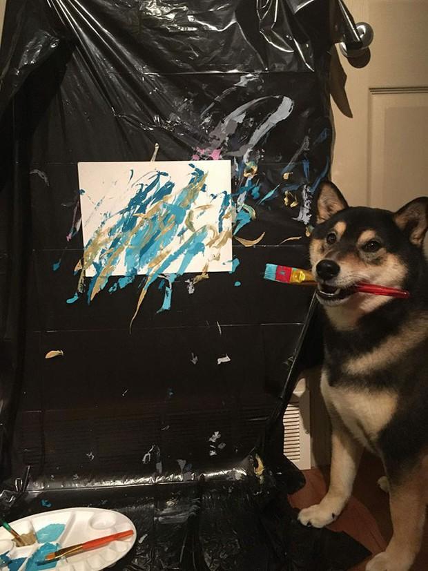 Chú chó shiba giúp chủ kiếm hơn 116 triệu đồng nhờ tài vẽ tranh trừu tượng - Ảnh 9.