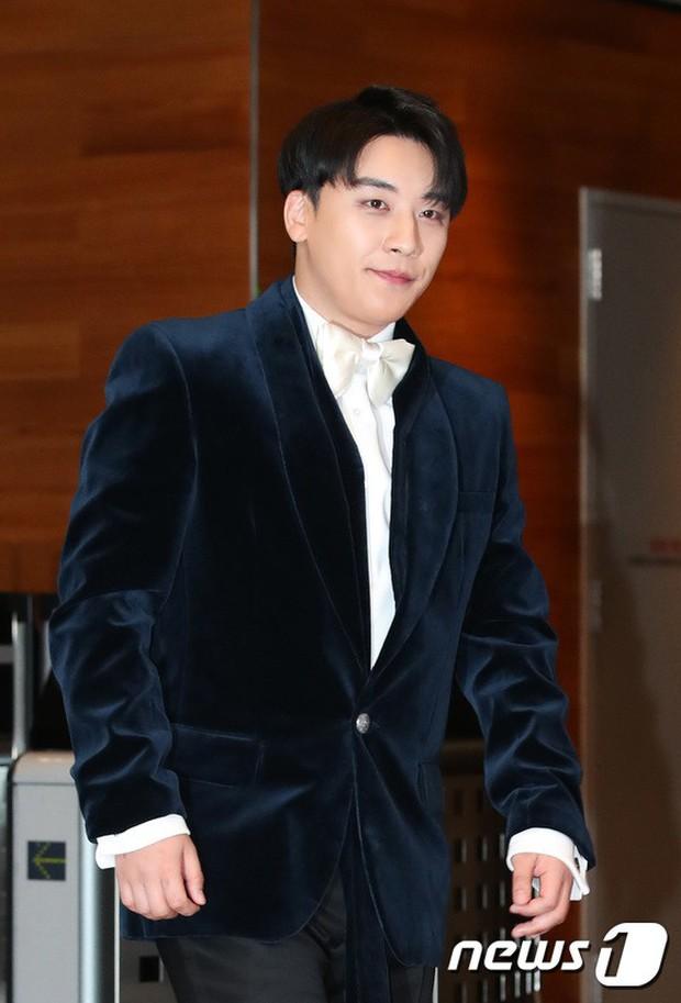 Thảm đỏ MBC Entertainment Awards: Kim So Hyun đẹp đỉnh cao, đánh bật cả Yuri và dàn mỹ nhân khoe body xôi thịt - Ảnh 34.
