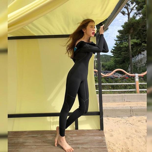 Dispatch tung loạt ảnh Yoon Eun Hye khoe body: U40 mà vẫn sở hữu thân hình S-line đáng ngưỡng mộ - Ảnh 3.