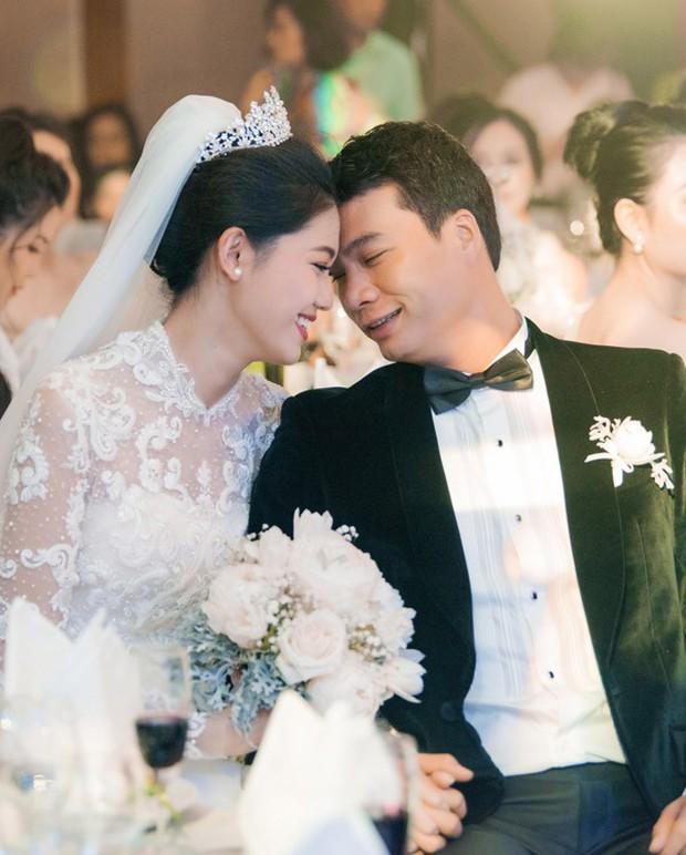 Đám cưới Á hậu Thanh Tú: Loạt khoảnh khắc hạnh phúc thay tuyên ngôn tình yêu của cặp đôi hơn kém 16 tuổi - Ảnh 7.