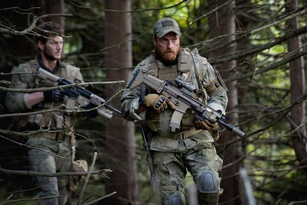 """""""Hunter Killer"""": Hành động chưa đủ """"giải cứu"""" nội dung và diễn xuất nhạt nhòa - Ảnh 3."""