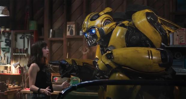 3 cột mốc quan trọng nhất cuộc đời chú robot ong nghệ Bumblebee kể từ khi xuống Trái Đất - Ảnh 2.