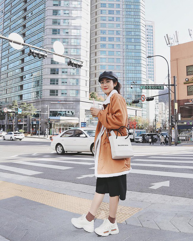 Street style hot mom: Hằng Túi chuẩn bị lâm bồn vẫn mặc đẹp bất chấp, Ly Kute diện váy liền trẻ như nữ sinh - Ảnh 3.