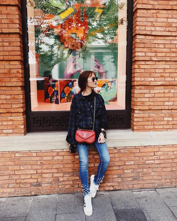 Street style hot mom: Hằng Túi chuẩn bị lâm bồn vẫn mặc đẹp bất chấp, Ly Kute diện váy liền trẻ như nữ sinh - Ảnh 5.