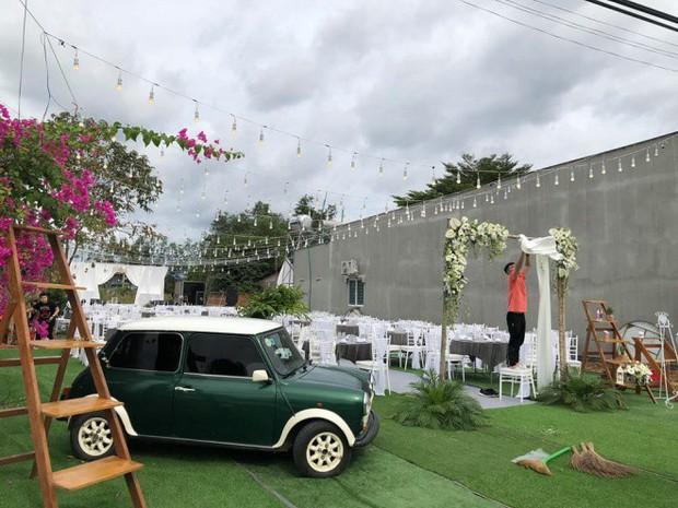 Không gian tổ chức đám cưới của rapper Tiến Đạt và hôn thê xinh đẹp chính thức được hé lộ - Ảnh 1.