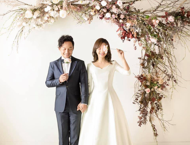 Loạt khoảnh khắc hiếm hoi trong ngày cưới của Tiến Đạt và bà xã 9x cuối cùng đã được hé lộ - Ảnh 6.
