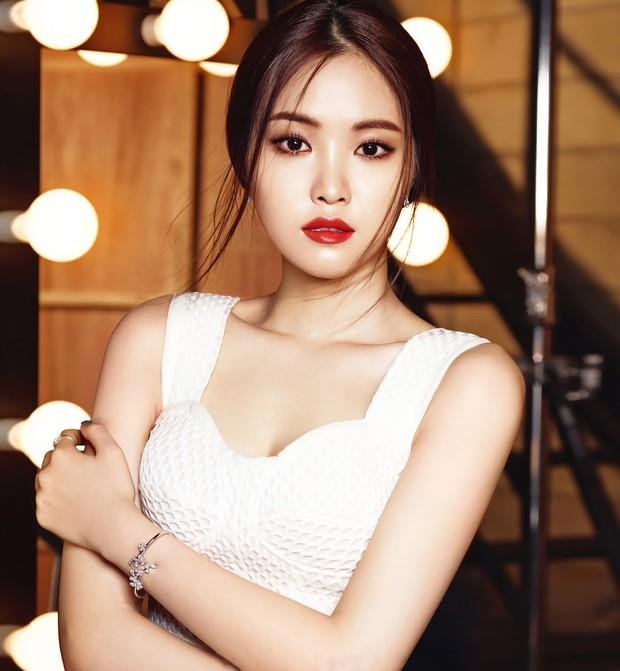 Chuyện phẫu thuật thẩm mỹ của sao Hàn: Người đẹp đến ngưỡng nữ thần, kẻ bị lên án nghiện thẩm mỹ - Ảnh 11.