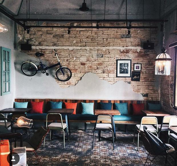 Dành cho dân thích ra cà phê làm việc: list những quán phục vụ ăn trưa để ngồi dầm cả ngày ở Sài Gòn - Ảnh 1.