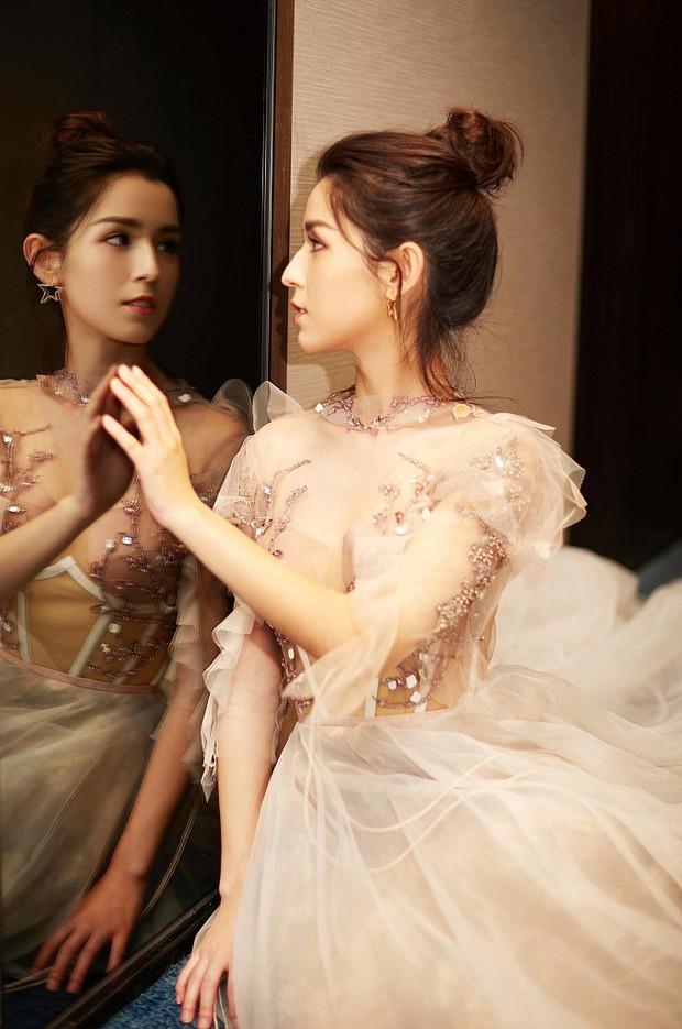 Cứ ngỡ đối thủ Địch Lệ Nhiệt Ba đẹp không tì vết, hóa ra cô nàng cũng có điểm khiến netizen không vừa mắt - Ảnh 6.