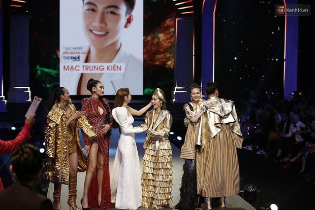 """Bất ngờ chưa? Mạc Trung Kiên team Thanh Hằng đăng quang Quán quân """"The Face Vietnam 2018""""! - Ảnh 2."""