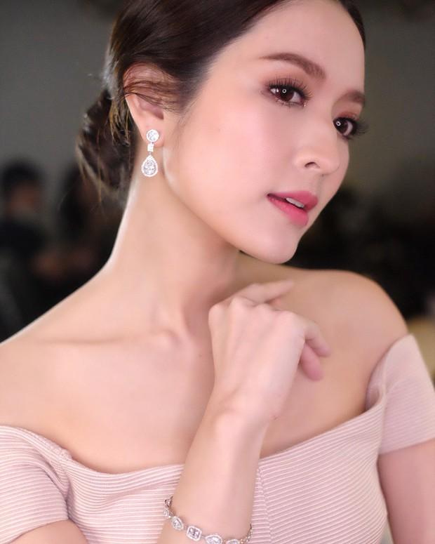 Top nhân vật có tầm ảnh hưởng nhất showbiz Thái 2018: Nadech-Yaya, Pope-Bella đều góp mặt nhưng vẫn thua 1 mỹ nhân - Ảnh 2.