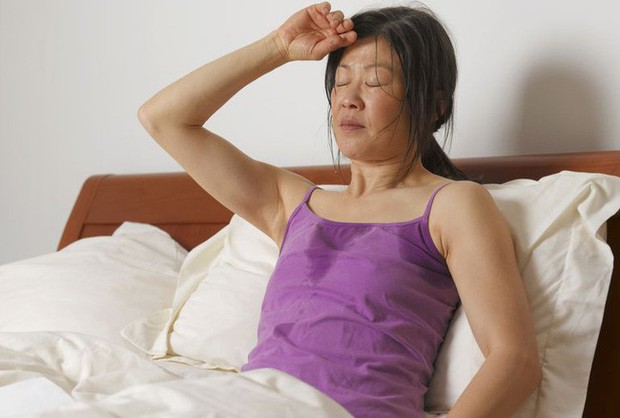 Đổ mồ hôi đêm có thực sự đáng lo ngại? Đừng lơ là với những nguyên nhân gây ra triệu chứng này - Ảnh 1.