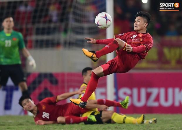 Tranh cãi việc huyền thoại Thái Lan đánh bại HLV Park Hang-seo ở đội hình tiêu biểu bóng đá Đông Nam Á của thập niên - Ảnh 7.