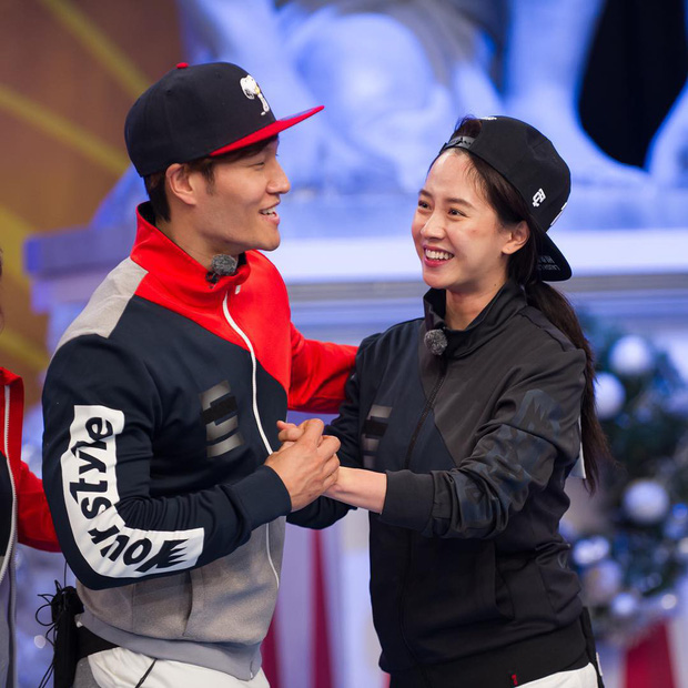 Fan của SpartAce vỡ mộng khi Haha bật mí: 80% là Kim Jong Kook có tình cảm với Hong Jin Young - Ảnh 3.