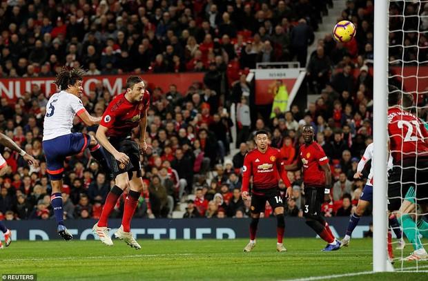 Tiền vệ tài hoa Paul Pogba ghi 2 bàn và kiến tạo 1 bàn, MU thắng rực rỡ ở trận thứ 3 sau sa thải Mourinho - Ảnh 7.
