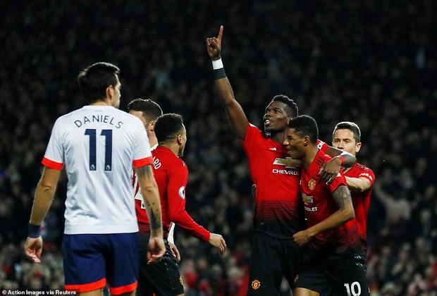 Tiền vệ tài hoa Paul Pogba ghi 2 bàn và kiến tạo 1 bàn, MU thắng rực rỡ ở trận thứ 3 sau sa thải Mourinho - Ảnh 5.