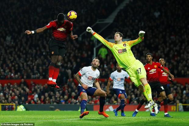Tiền vệ tài hoa Paul Pogba ghi 2 bàn và kiến tạo 1 bàn, MU thắng rực rỡ ở trận thứ 3 sau sa thải Mourinho - Ảnh 4.