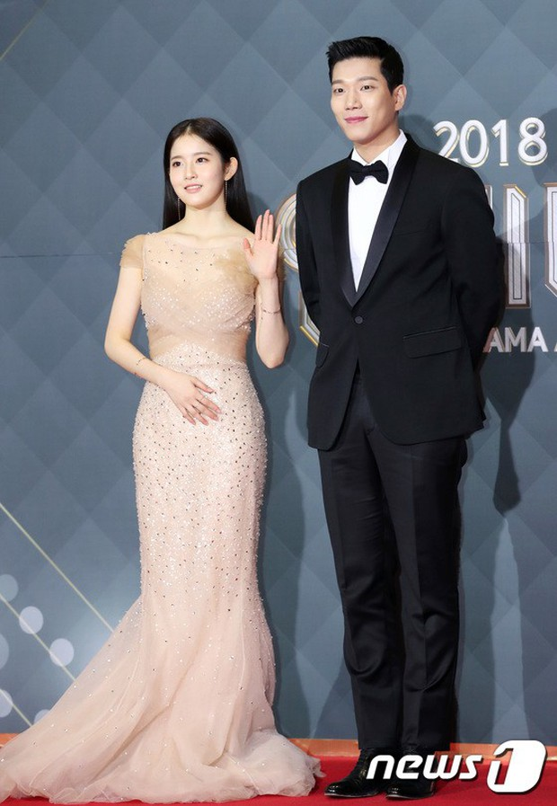Thảm đỏ SBS Drama Awards: Jang Nara tăng cân vẫn quá đẹp, nàng Kim Sam Soon đọ body nóng bỏng bên loạt minh tinh - Ảnh 25.