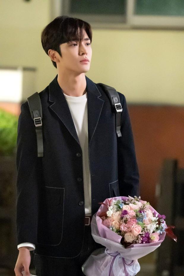 Mỹ nam Cha Eun Woo bất ngờ góp mặt trong danh sách những nam Idol diễn ổn trong năm 2018 - Ảnh 10.