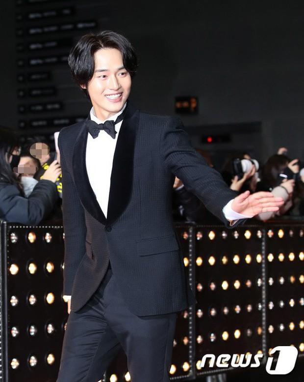 Thảm đỏ SBS Drama Awards: Jang Nara tăng cân vẫn quá đẹp, nàng Kim Sam Soon đọ body nóng bỏng bên loạt minh tinh - Ảnh 31.