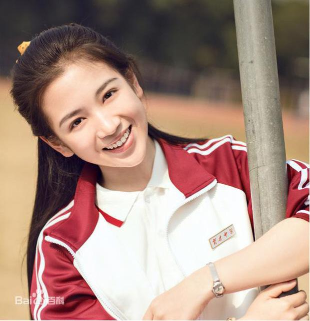 """Dàn sao """"Sống Không Dũng Cảm, Uổng Phí Thanh Xuân"""": Nàng hồn nhiên hết cỡ, chàng hớp hồn fan vì tính tình ấm áp - Ảnh 9."""