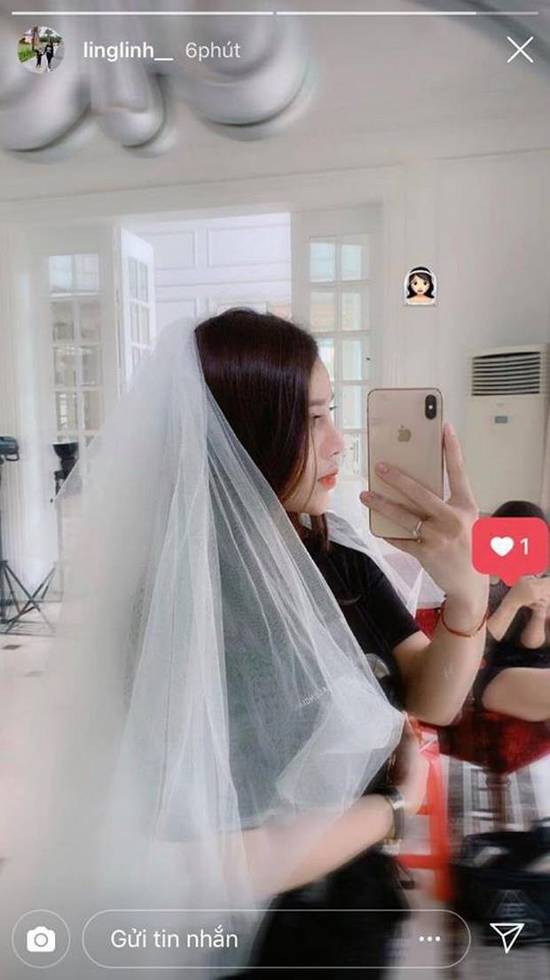 Bạn gái Bùi Tiến Dũng đội khăn cô dâu, dân tình gọi tên Đình Trọng - Ảnh 1.