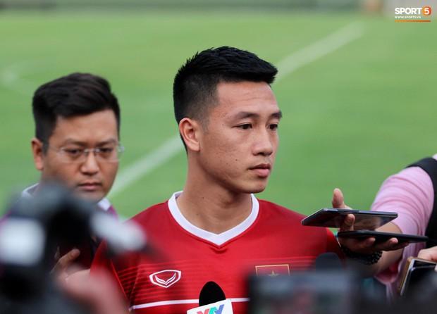 Tiền vệ tuyển Việt Nam lấy thất bại đau đớn ở bán kết AFF Cup 2014 làm kinh nghiệm chia sẻ với đàn em - Ảnh 2.