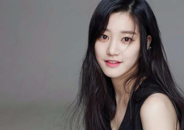 Mama Chuê Nàng Dae Jang Geum khoe 3 người con đẹp như hoa: 2 con gái đều là diễn viên, quý tử lần đầu lộ diện - Ảnh 3.