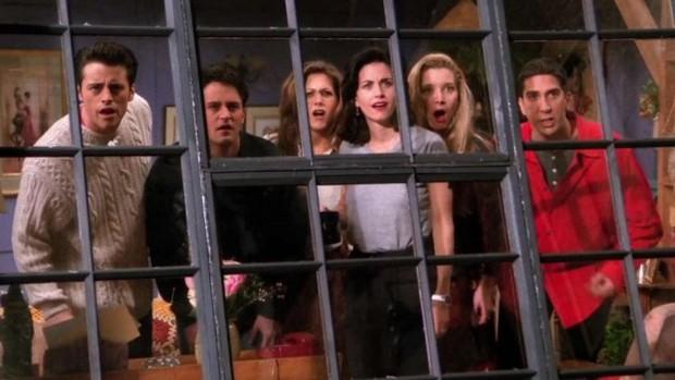 Fan Friends hết phẫn nộ tới thở phào vì số phận chìm nổi của series trên Netflix - Ảnh 7.