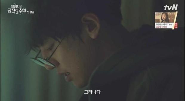 3 lý do giúp Hồi ức Alhambra của Hyun Bin kích thích tò mò ngay từ tập phim đầu - Ảnh 3.