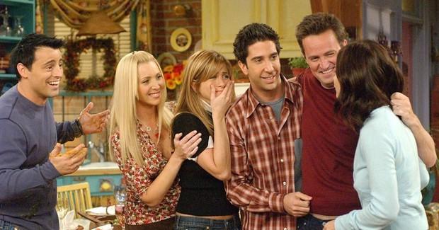 Fan Friends hết phẫn nộ tới thở phào vì số phận chìm nổi của series trên Netflix - Ảnh 8.