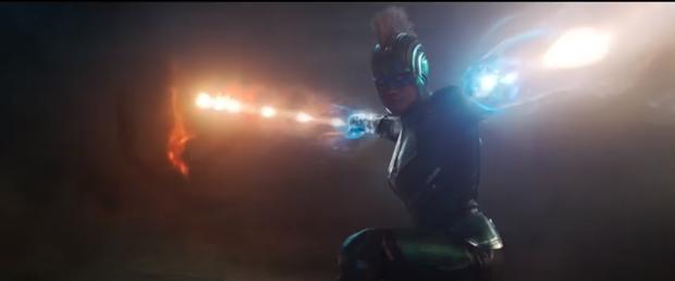 Captain Marvel tung trailer mới gây sốc vì quả đầu bờm mohawk của chị đại - Ảnh 5.