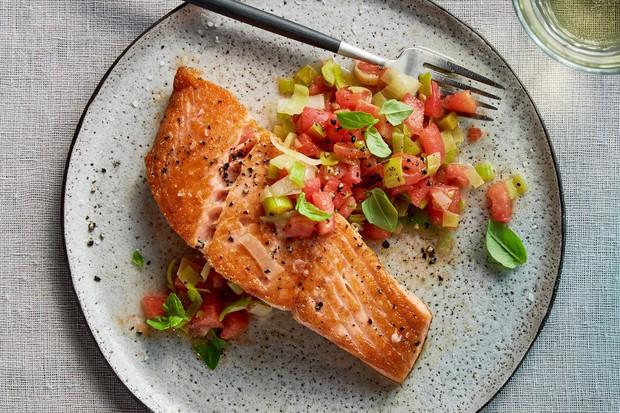Chế độ giảm cân thường thiếu 6 chất dinh dưỡng quan trọng này - Ảnh 1.