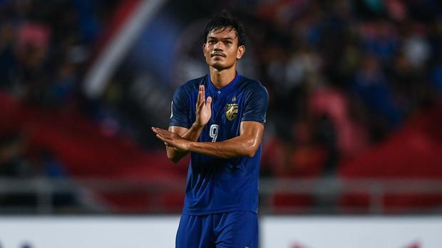 Profile khủng của tội đồ khiến Thái Lan trượt vé chung kết AFF CUP: Cử nhân ngành Y trường ĐH tốt bậc nhất xứ chùa vàng - Ảnh 1.