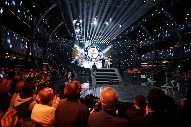 Anh em Quốc Cơ - Quốc Nghiệp xác lập kỉ lục Guinness Thế giới tại Ý với thành tích ấn tượng - Ảnh 3.