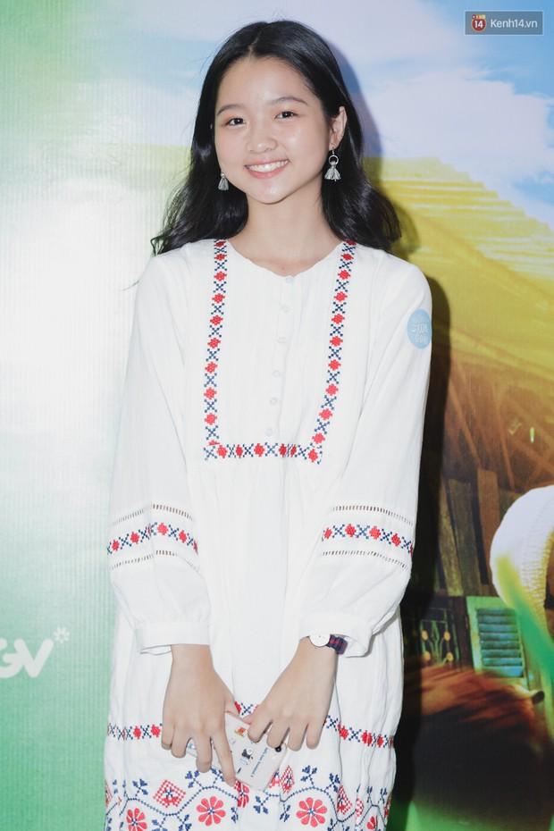 Kaity Nguyễn và Lâm Thanh Mỹ đọ sắc, người xinh như búp bê, người thanh lịch dịu dàng bên thảm đỏ ra mắt phim - Ảnh 3.