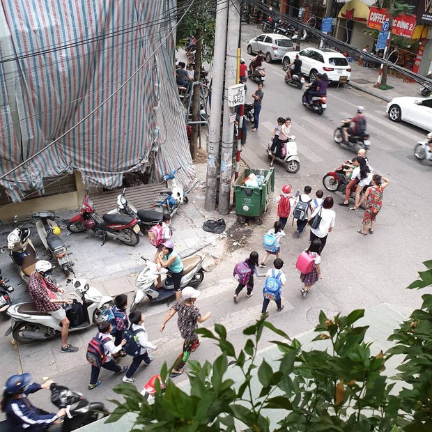 Khoe ảnh đi cafe ở Hà Nội, fan nghi mỹ nhân She Was Pretty Hwang Jung Eum đến Việt Nam du lịch cùng chồng - Ảnh 4.