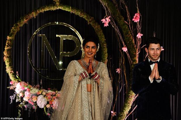 Nick Jonas và Hoa hậu Thế giới hạnh phúc ngập tràn trong bữa tiệc cưới có cả Thủ tướng Ấn Độ tham dự - Ảnh 7.