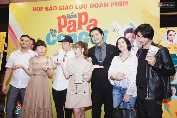 Kaity Nguyễn và Lâm Thanh Mỹ đọ sắc, người xinh như búp bê, người thanh lịch dịu dàng bên thảm đỏ ra mắt phim - Ảnh 10.