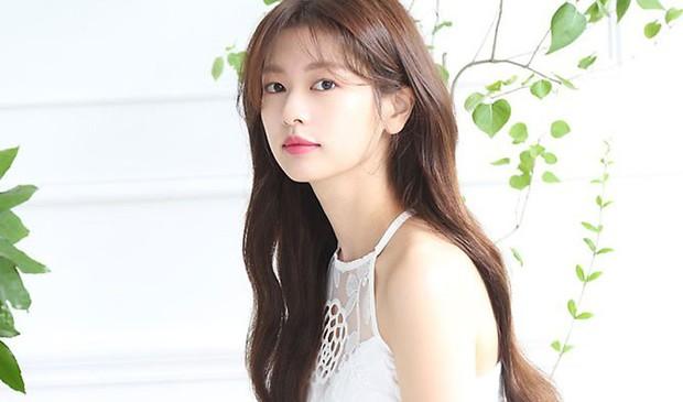 """""""Ánh Cười Chẳng Còn Vương Mắt Em"""" vừa kết thúc, Jung So Min đã chuẩn bị nên duyên cùng Junho (2PM) ? - Ảnh 2."""