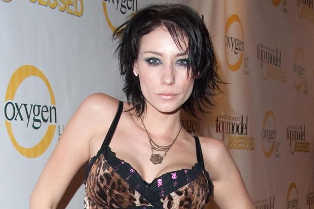 Cựu thí sinh Americas Next Top Model mùa 8 qua đời khi mới 34 tuổi vì ung thư - Ảnh 1.