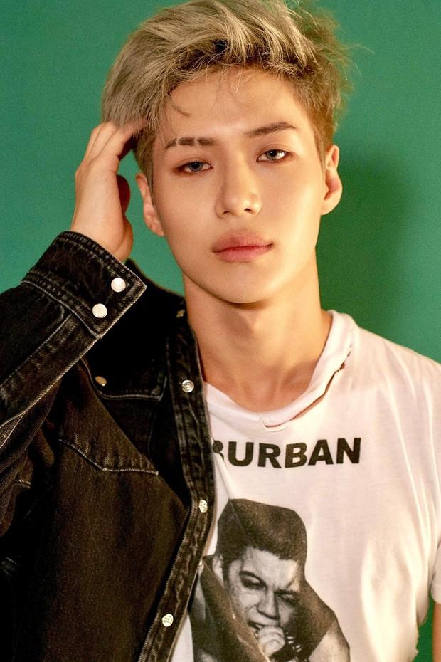 Nhìn những nam idol Kpop một thời mặt búng ra sữa lột xác ngoạn mục, cánh mày râu sẽ có thêm nhiều động lực - Ảnh 27.