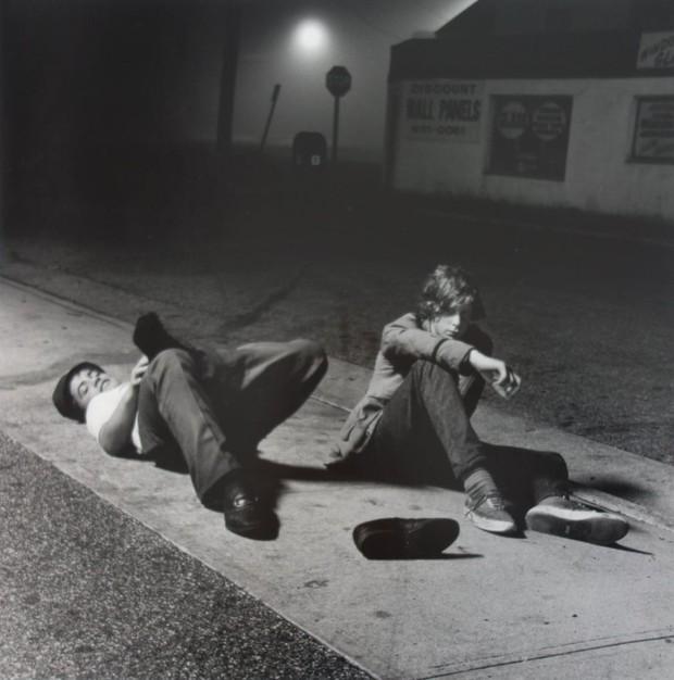 Bộ ảnh ăn chơi đầy chân thực của học sinh, sinh viên Mỹ thập niên 70 qua ống kính nhiếp ảnh gia nổi tiếng bậc nhất thế giới - Ảnh 6.