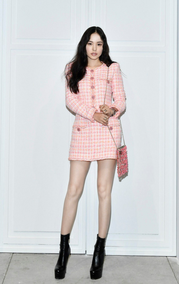 """Chân gầy hay béo mới là """"cực phẩm"""" khi diện váy ngắn: Rosé (Black Pink), Cổ Lực Na Trát và Min Hyo Rin sẽ khiến bạn khó nghĩ - Ảnh 5."""