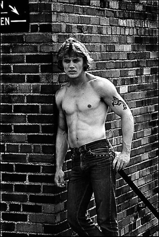 Bộ ảnh ăn chơi đầy chân thực của học sinh, sinh viên Mỹ thập niên 70 qua ống kính nhiếp ảnh gia nổi tiếng bậc nhất thế giới - Ảnh 1.