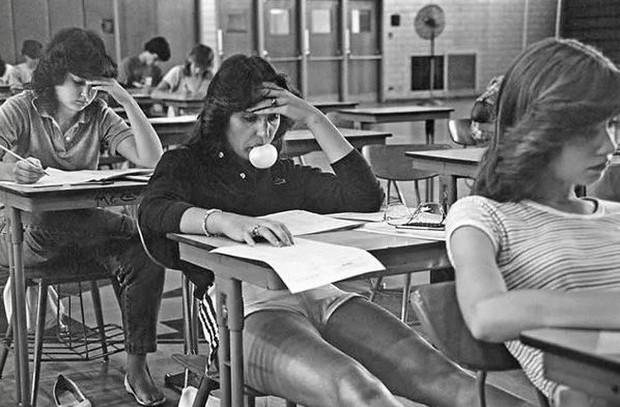 Bộ ảnh ăn chơi đầy chân thực của học sinh, sinh viên Mỹ thập niên 70 qua ống kính nhiếp ảnh gia nổi tiếng bậc nhất thế giới - Ảnh 8.
