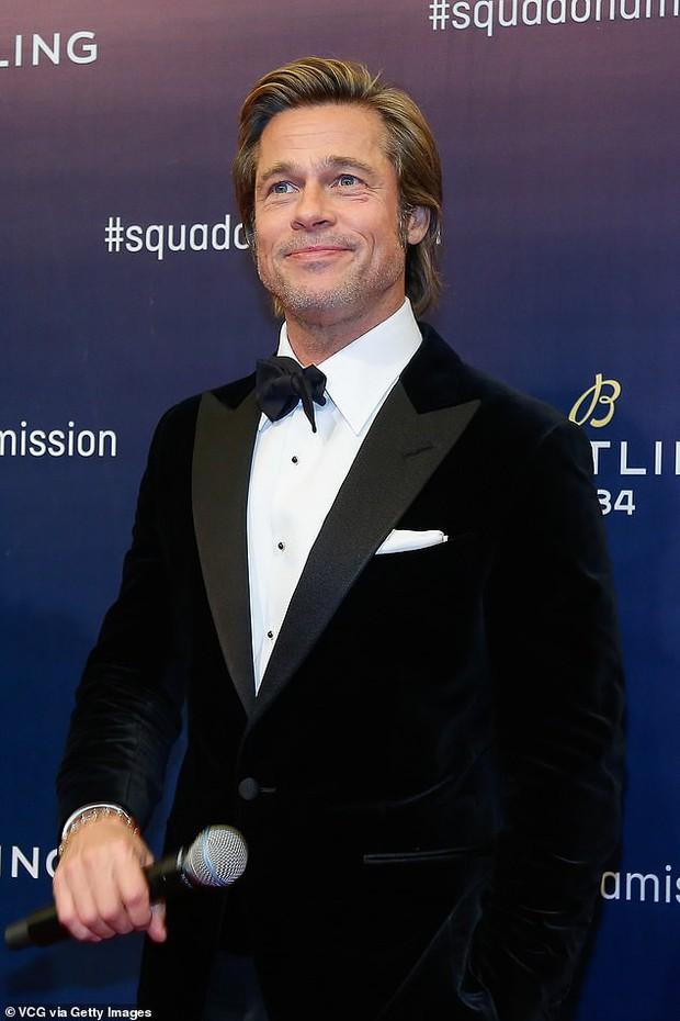 Kết thúc cuộc chiến kéo dài 2 năm, Angelina Jolie đã để cho Brad Pitt có quyền nuôi con như anh muốn - Ảnh 2.