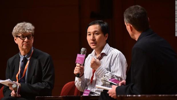 Một mình nhà khoa học Trung Quốc thì không thể chỉnh sửa gen người, phía sau ông ấy là sự hỗ trợ của 2 công ty Mỹ - Ảnh 1.